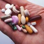 Обзор мазей, капель, таблеток при ячмене на глазу